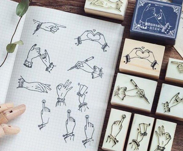 8 8 600x496 - MO●CARD® x Hand Diaries (8 designs)
